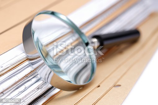 istock Documents Search 607604292