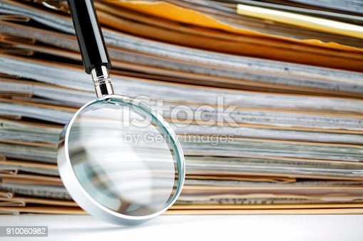 468153365 istock photo Documents Search 910060982