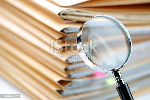 468153365 istock photo Documents Search 910061022