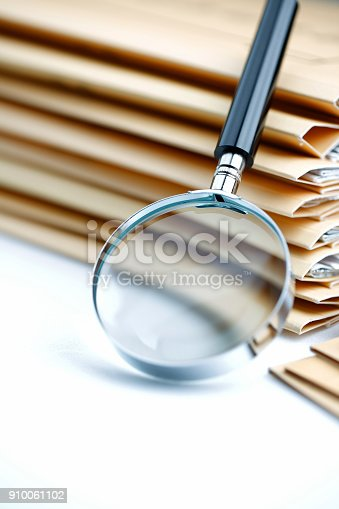 468153365 istock photo Documents Search 910061102