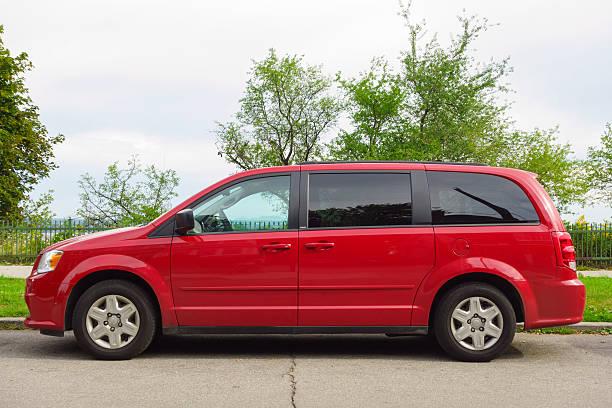 dodge grand caravan - 2010 foto e immagini stock