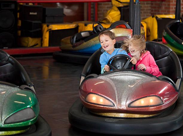 dodgem fun - krockad bil bildbanksfoton och bilder