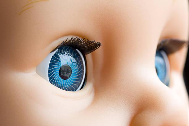 muñeca de ojos - muñeca bisque fotografías e imágenes de stock