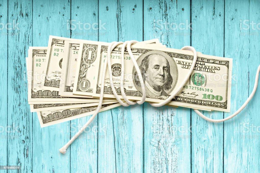 用白繩包裹的鈔票 免版稅 stock photo