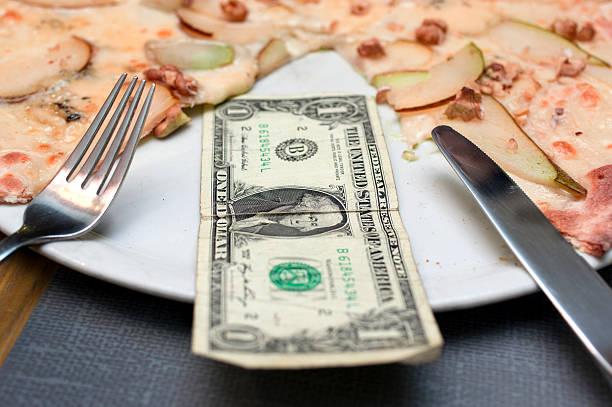 dollar bill and pizza slices - besteck günstig stock-fotos und bilder
