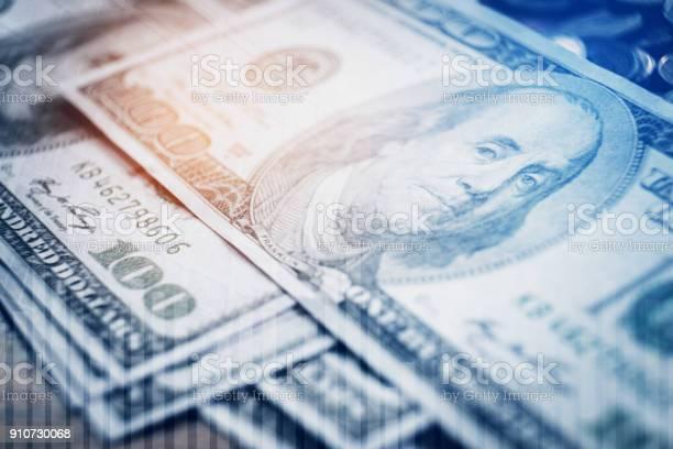 달러 지폐와 금융 및 금융 디지털 주식 시장 금융 거래소에 가계에 대한 스톡 사진 및 기타 이미지