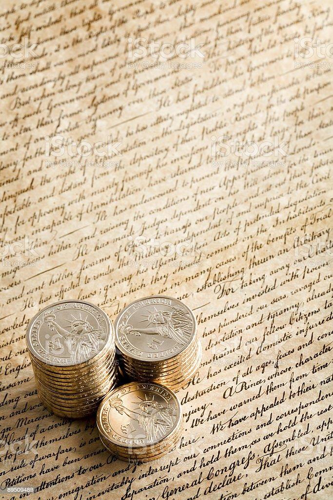 De pièces de monnaie sur la déclaration photo libre de droits