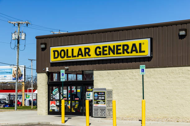 dollar general retail location. dollar general is a small-box discount retailer vii - loudon stock photos and pictures