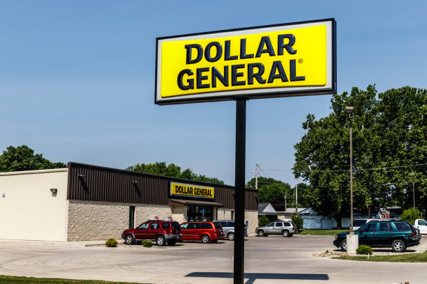 dollar general retail location. dollar general is a small-box discount retailer iii - loudon stock photos and pictures
