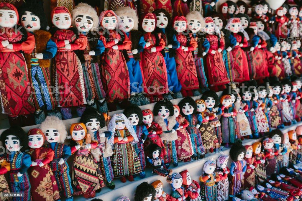 Dolls in Armenian national costumes. Flea market Vernissage Yerevan, Armenia стоковое фото