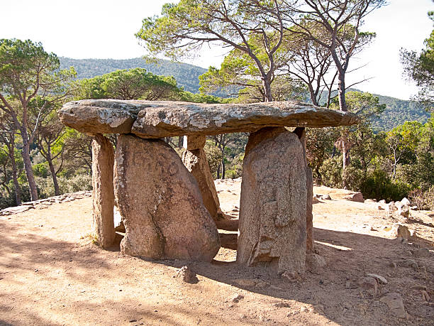Dolmen in Spain A very old dolmen situated in a place near Barcelona (Spain) portal dolmen stock pictures, royalty-free photos & images