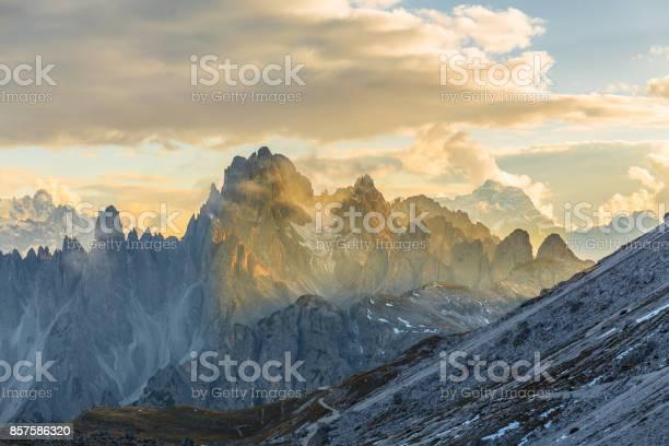 Dolomite mountain landscape picture id857586320?b=1&k=6&m=857586320&s=612x612&h=bukph44jlg4qpzthxqnn6kxjjwigtnwqp zofhl8eja=