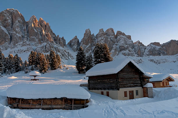 Dolomites: Odle mountain group at sunset in winter Dolomites of South Tyrol (Italy): Odle mountain group (Geislergruppe) at sunset in winter. high seat stock pictures, royalty-free photos & images