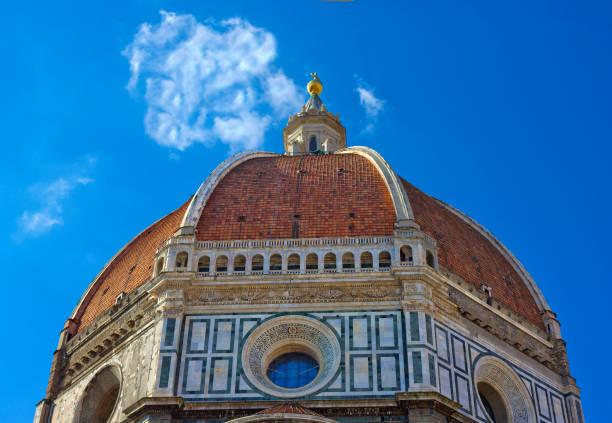 kuppel der kathedrale von florenz, basilica di santa maria del fiore - giotto stock-fotos und bilder