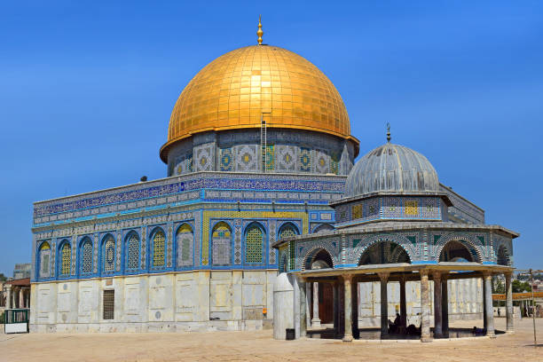 Dome of the Rock and Dome of the Chain at Temple Mount, Old City of Jerusalem mosque Dome of the Rock and Dome of the Chain at Temple Mount, Old City of Jerusalem, Israel muslim quarter stock pictures, royalty-free photos & images