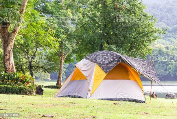 Dome Tält Camping Vid Sjön-foton och fler bilder på Berg