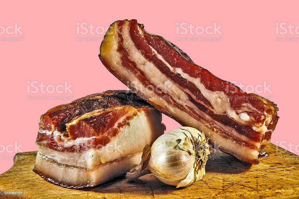 Intérieur du bacon avec de l'ail  - Photo