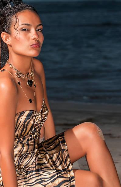retrato de la niña dominicana  - mujeres dominicanas fotografías e imágenes de stock