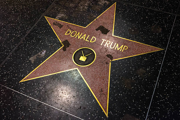 donald trump star vandalized at walk of fame. - trump stockfoto's en -beelden