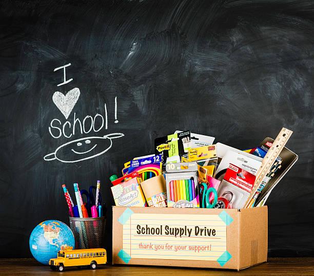 Spendenbüchse für Schulsachen – Foto