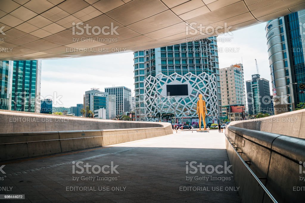 DDP Dongdaemun Design Plaza, modern architecture and cityspace in Seoul, Korea stock photo