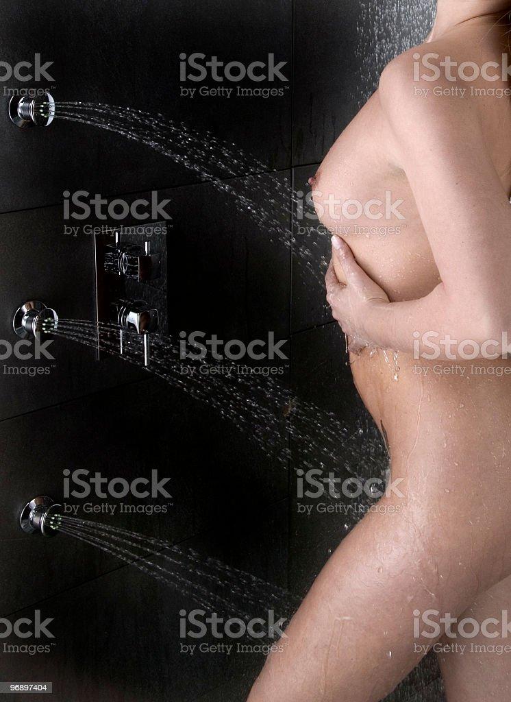 donna con doccia royalty-free stock photo