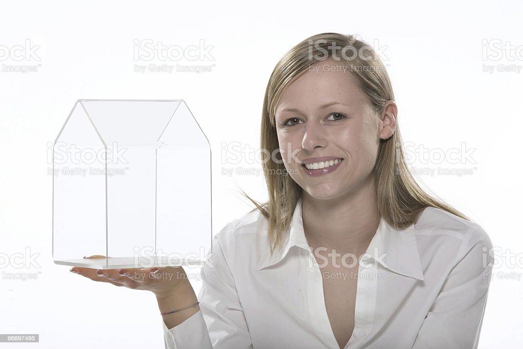 donna con modellino di casa royalty-free stock photo