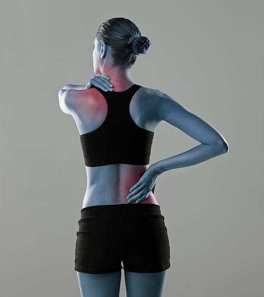 don't overdo it when exercising or your body will suffer - hals übungen stock-fotos und bilder