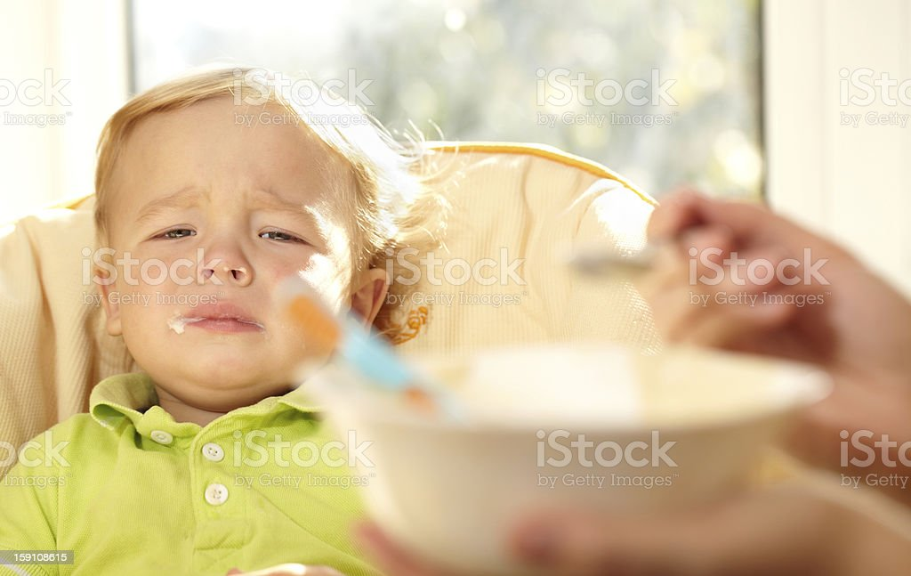 Photo De Stock De Je Ne Veux Pas Manger Le Porridge Plus Images