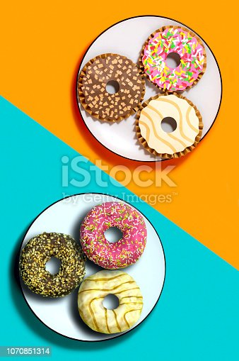 istock Donuts and their paper models 1070851314