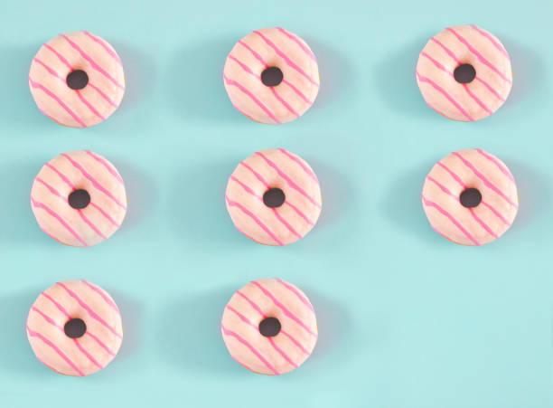 Donuts auf blauem Hintergrund – Foto