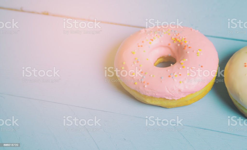 donuts on wood background royalty free stockfoto