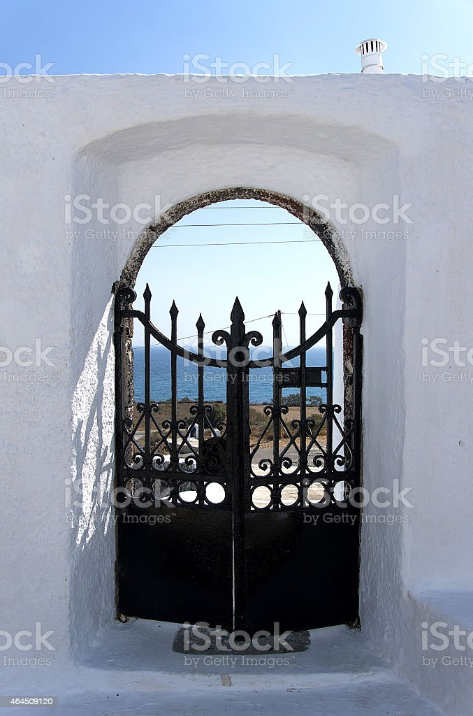 Porta in alto mare Egeo a Santorini - foto stock
