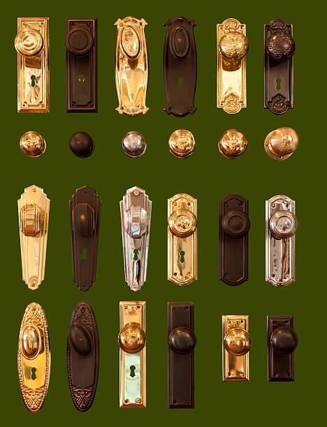türklinken die kollektion solated auf dunkel grün hintergrund - schlüssel dekorationen stock-fotos und bilder