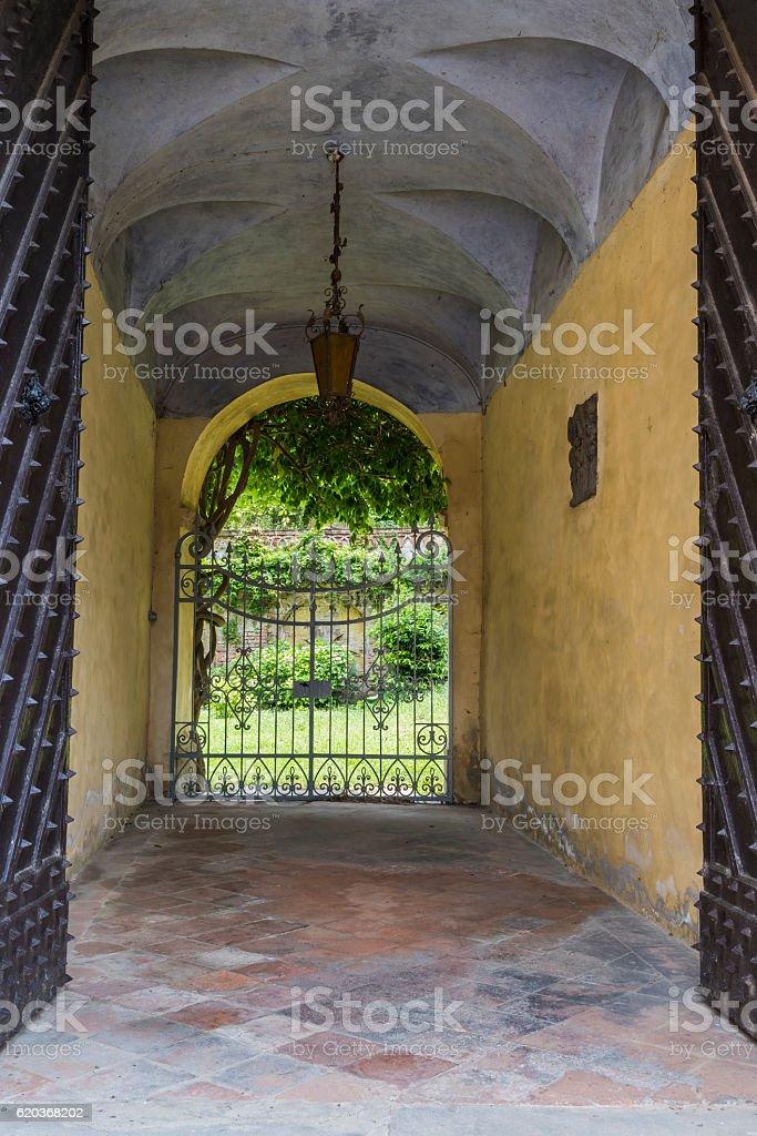Door of Palazzo Incisa Beccaria in Borgo Villa il Poggio zbiór zdjęć royalty-free