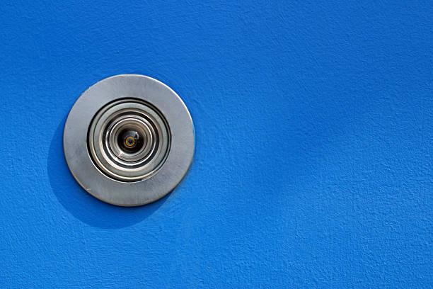 porta de peep - going inside eye imagens e fotografias de stock