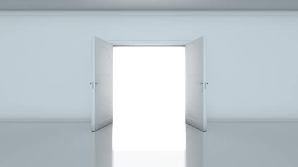entrada que revela a luz brilhante no quarto cinzento maçante - aberto - fotografias e filmes do acervo
