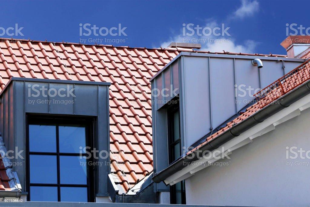Dachgaube mit Edelstahl-Verkleidung – Foto