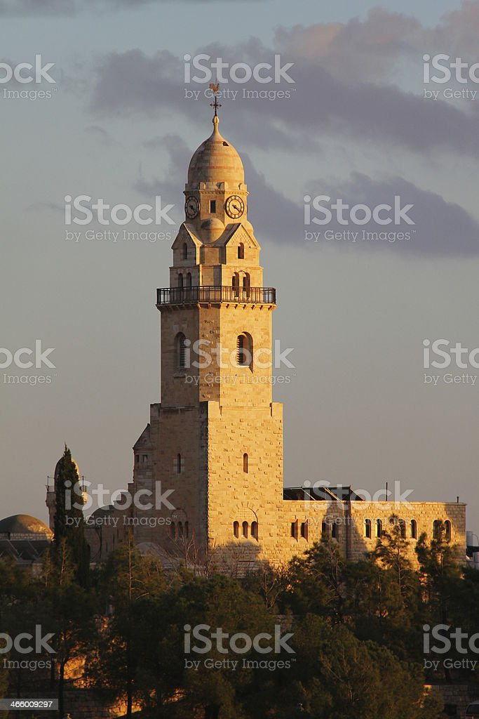 Dormición Abbey Bell Tower en Mount Zion - foto de stock