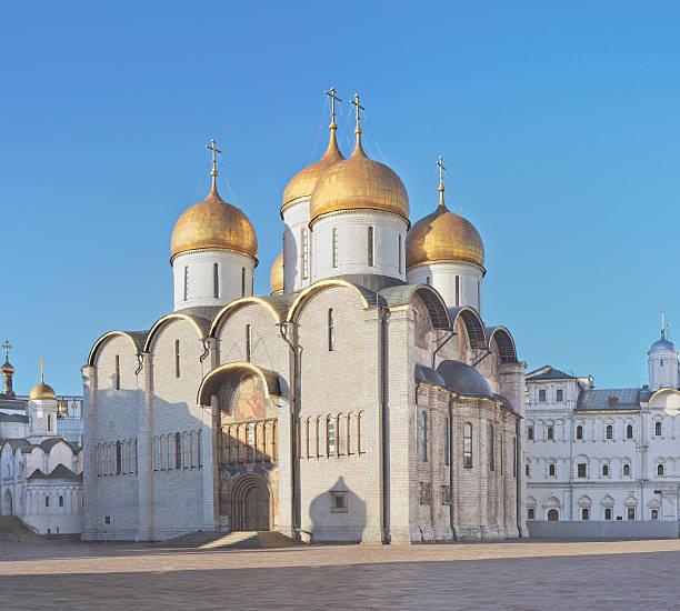 dormition cattedrale, mosca, russia - ferragosto foto e immagini stock