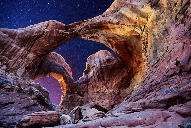 double arch-stars - arches national park stockfoto's en -beelden