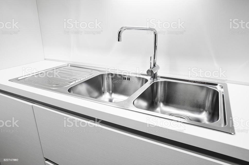 Tigela de casal, pia de cozinha de aço inoxidável - foto de acervo