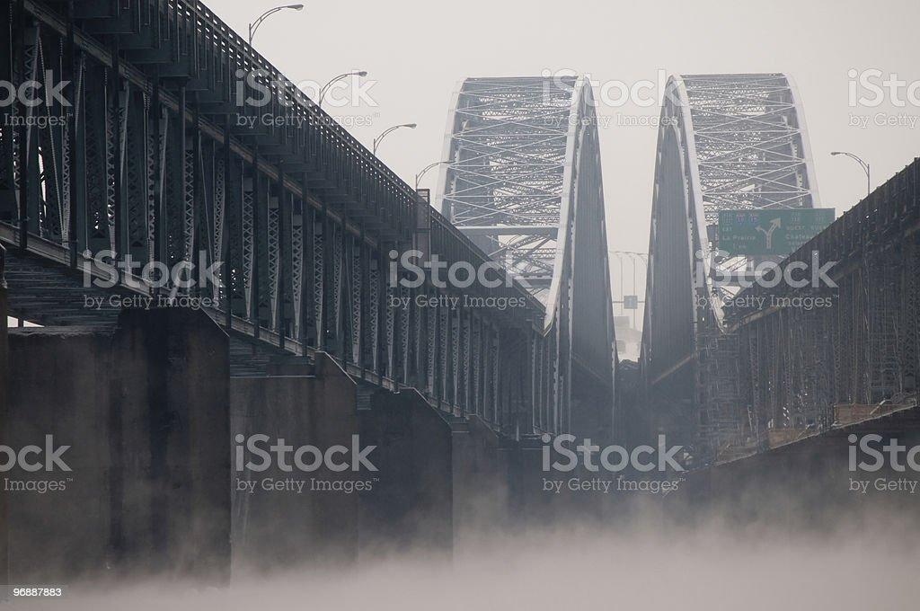 Double-Brücke in Montreal mit Nebel Lizenzfreies stock-foto