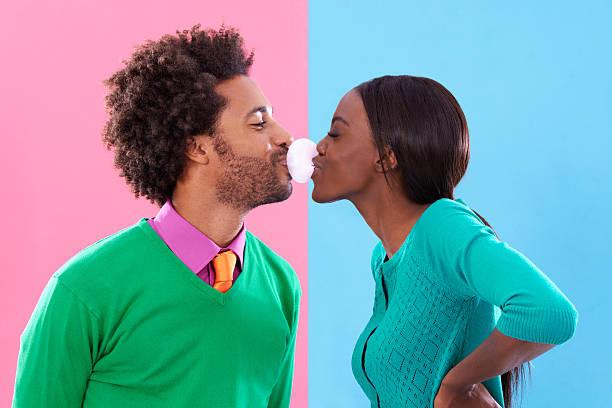 double bubble love! - sakız şekerleme stok fotoğraflar ve resimler
