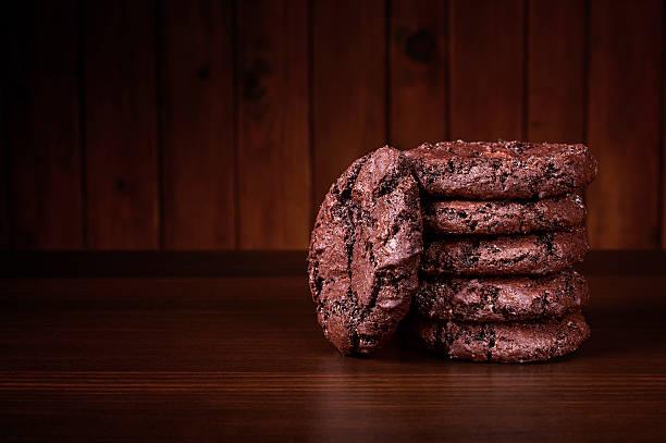 - schokolade cookies - schokoladenplätzchen stock-fotos und bilder