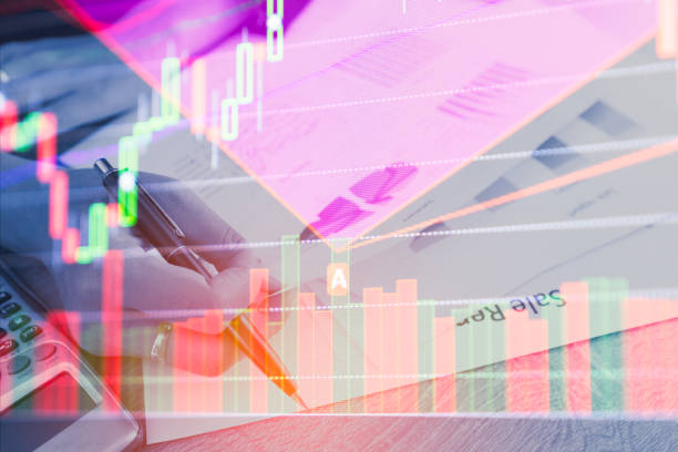 doppelbelichtung geschäftsleute machen dokument am aktienmarkt finanzielle diagramm zu zählen. aktienmärkte finanzielle oder investment strategie hintergrund geschäftskonzept diagramm - bankhaken stock-fotos und bilder