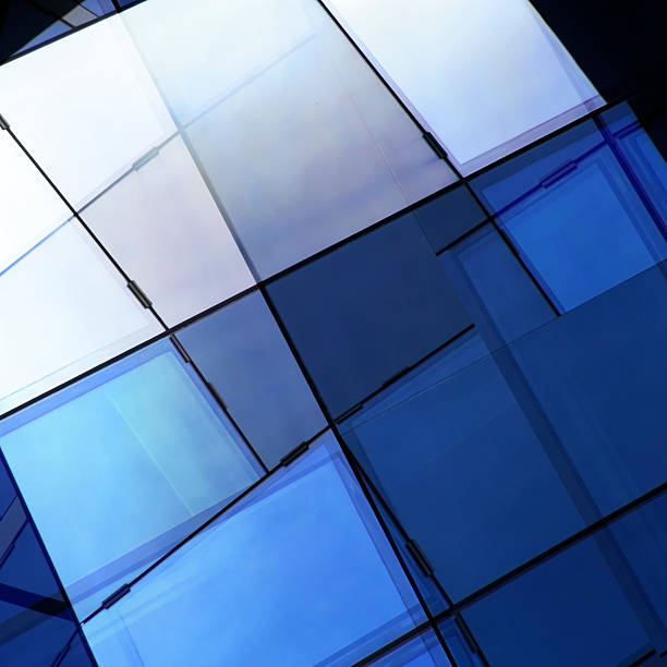 doble exposición primer plano de la pared de vidrio de fragmentos/cúpula de vitrales de la ventana - característica arquitectónica fotografías e imágenes de stock