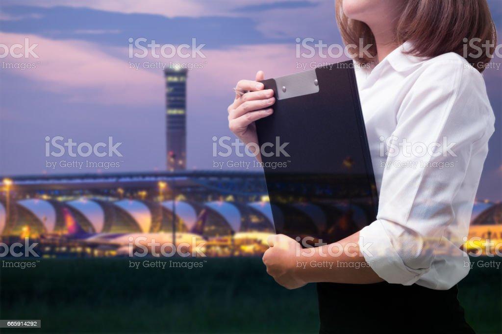 Doble exposición de la mujer de negocios - foto de stock