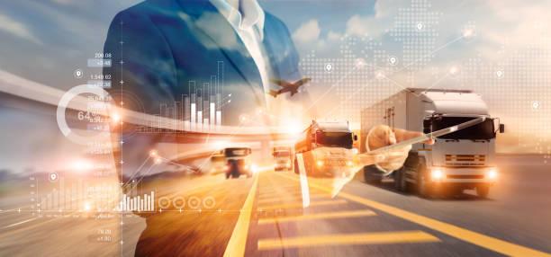 輸送・物流ネットワーク流通の世界地図と輸送用の産業貨物貨物のトラックを持つビジネスマンとグラフのビジネスの成長の二重の露出。インポート-エクスポート。 - 物流 ストックフォトと画像