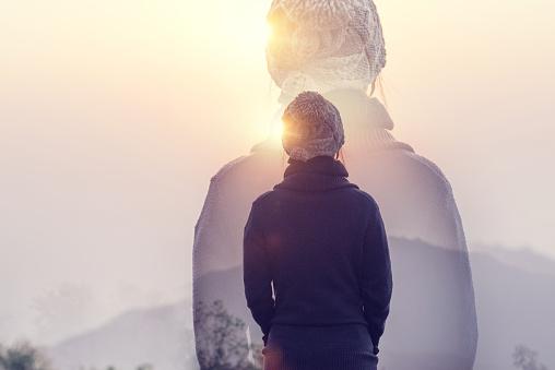 Double Exposure Woman In Mountains With Sunrise And Sunlight Effect Rear View - zdjęcia stockowe i więcej obrazów Aktywny tryb życia